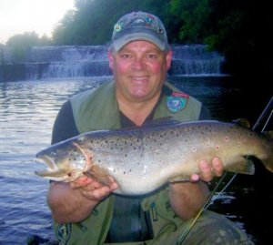 Gerry Heaslip's 'fish of a lifetime' from the River Dodder in Dublin. The trout weighed 3kg (6lb 9oz) and fell to a Peter Ross minnow pattern size 12, during the Miami Cup.