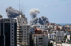 Israsel missile strike in Gaza City. Photo by Hatem Moussa, AP