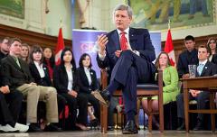 PM Stephen Harper addresses a youth delegation (Flickr/Stephen Harper CC licence)